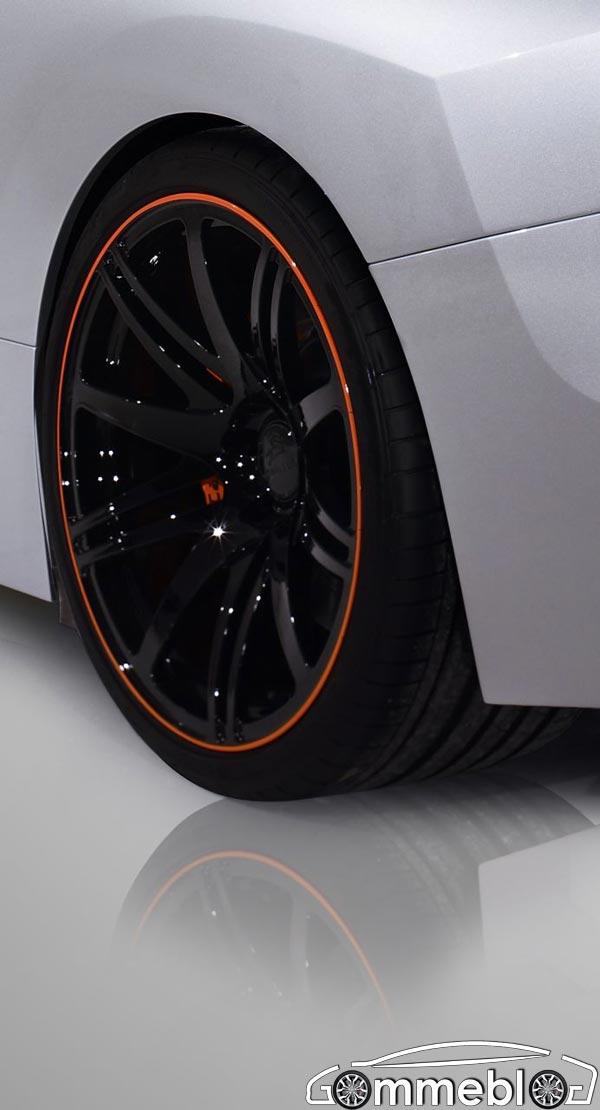 Cerchi da 20 e pneumatici 265/30 all'anteriore e 325/25 al posteriore per la Carlsson C25 1