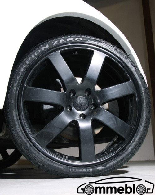 Enco Audi Q5; cerchi in lega da 22 e pneumatici SUV Pirelli Scorpion Zero 2