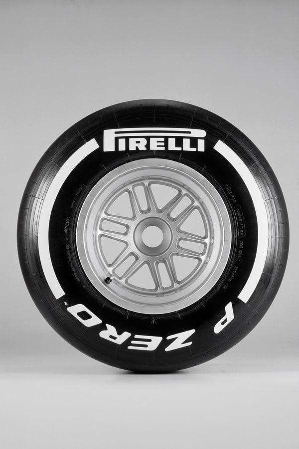 Pirelli F1 PZero White Medium