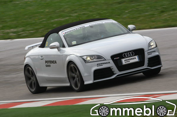 Bridgestone Potenza S001: primi nei test di Sport Auto 2