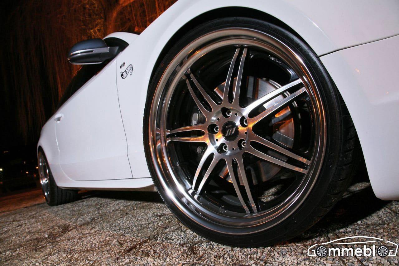 S5 White Beast Senner: Cerchi in lega da 21 e pneumatici Hankook S1 Evo