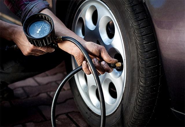 Pressione Gomme Auto: Quanto Gonfiare i Pneumatici