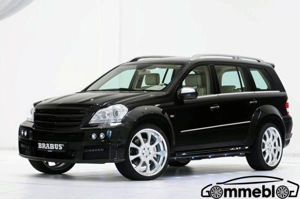 Cerchi in lega SUV da 23 pollici per il nuovo Brabus GL 63 Biturbo che verrà esposto al Salone di Ginevra