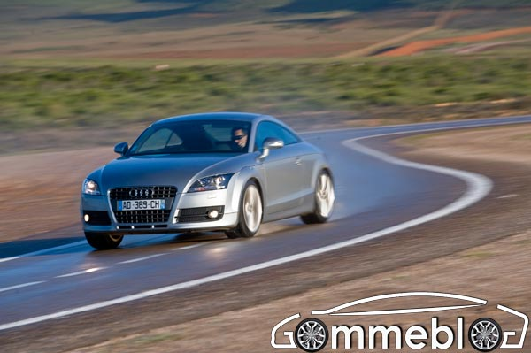 Michelin Pilot Sport 3: Test su pista bagnata sfidano Bridgestone Potenza RE050A. Auto Audi TT 1.8 TFSI