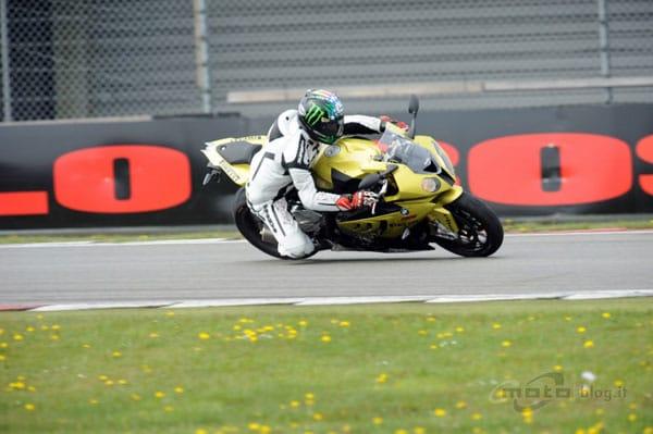 Test Pirelli Diablo Rosso Corsa: in prova su BMW S1000RR e Triumph Street Triple 1