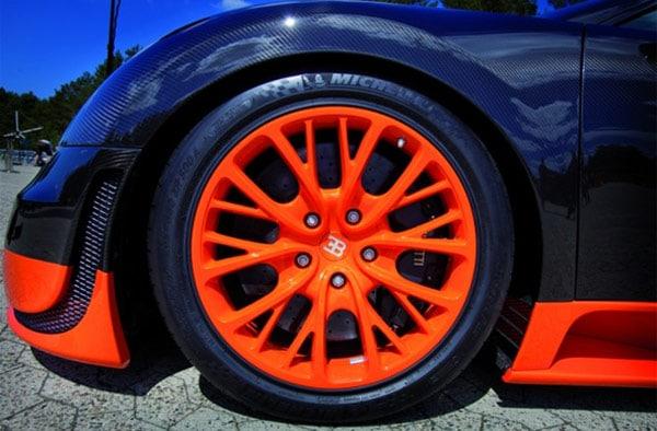 Bugatti e Michelin: nuovo record mondiale di velocità: 431 km/h 2