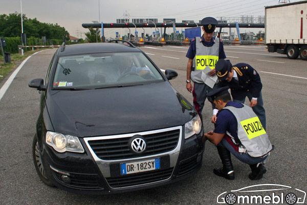 Vacanze Sicure 2014: Polizia Stradale in collaborazione con Assogomma e Federpneus.