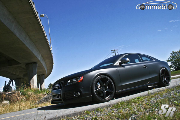 Audi S5 Tuning: Cerchi in lega da 20 e tinta Matte Black