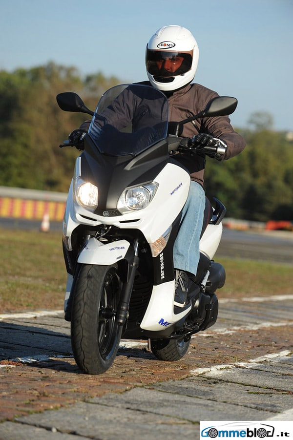 Metzeler Feelfree Wintec, sicurezza in ogni stagione per tutti gli scooteristi