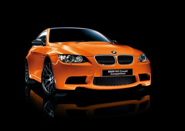 BMW M3 Coupé Competition: cerchi in lega neri e colore arancione 1