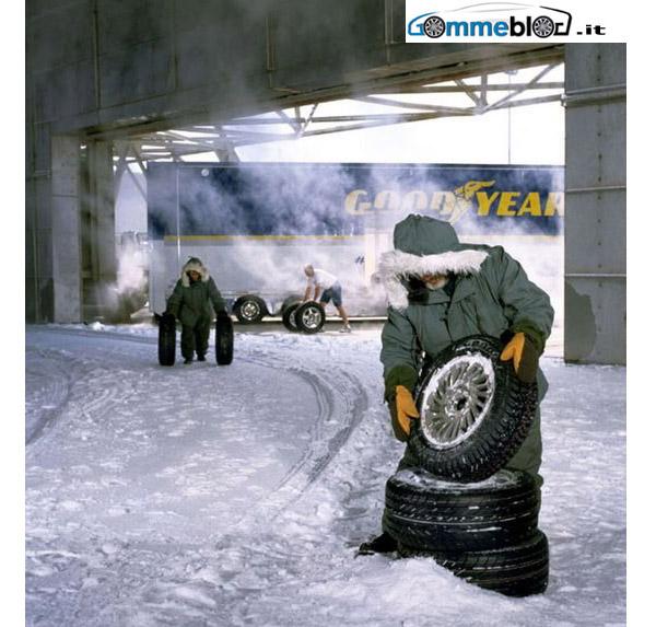 Goodyear - Dunlop: Non guidate con pneumatici estivi in inverno, scegliete gomme termiche 1