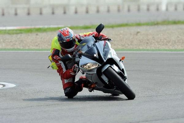 Metzeler Racetec CompK, gomme slick per tutti gli amanti della pista 2