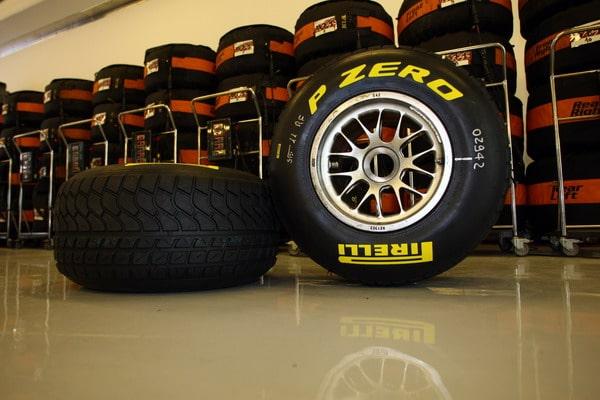 """Pneumatici F1 Pirelli: nel 2012 le gomme saranno più """"squadrate"""""""