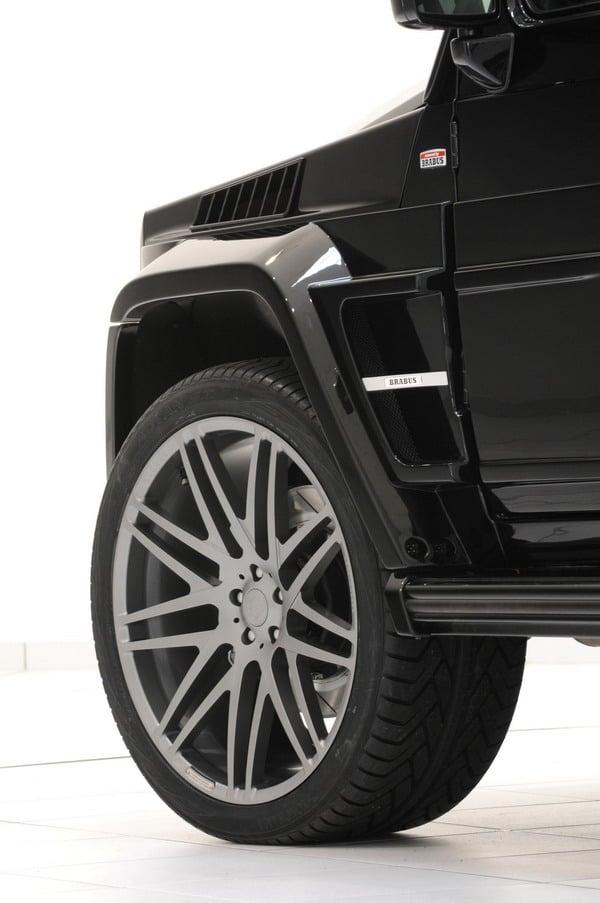 "Mercedes G55 AMG Brabus 800 Widestar: Pneumatici Yokohama e Cerchi in lega da 23"" 1"