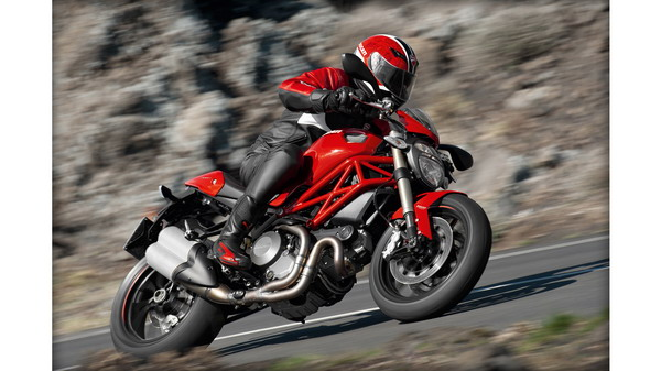Ducati Monster 1100 Evo 1