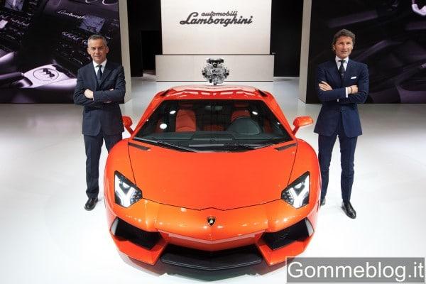 Lamborghini Aventador LP 700-4 al Salone Auto di Shanghai 2011