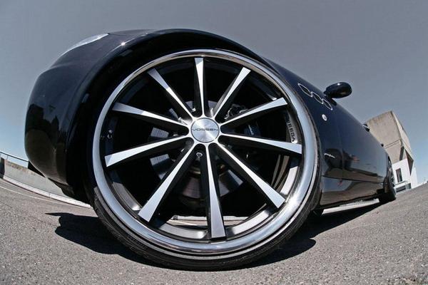 Cerchi in lega da 22 e gomme Pirelli per la Maserati Quattroporte by MR Car Design