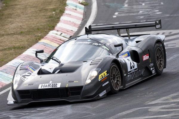 Pirelli protagonista di durata nella 24 ore del Nürburgring