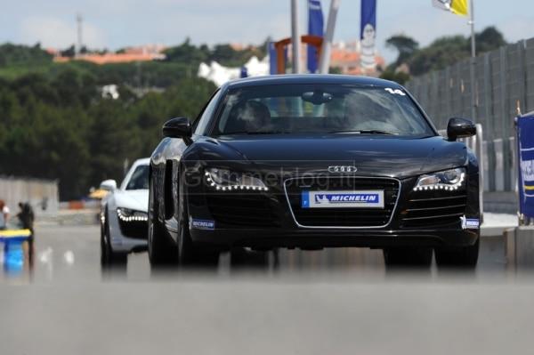 Variare le performance di una vettura con pneumatici maggiorati: in pista su Audi R8 MTM 5