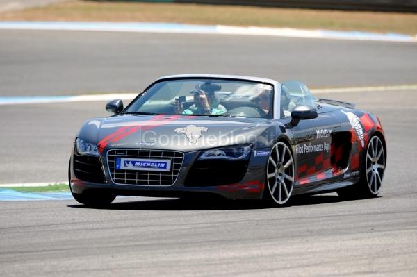 Variare le performance di una vettura con pneumatici maggiorati: in pista su Audi R8 MTM 4