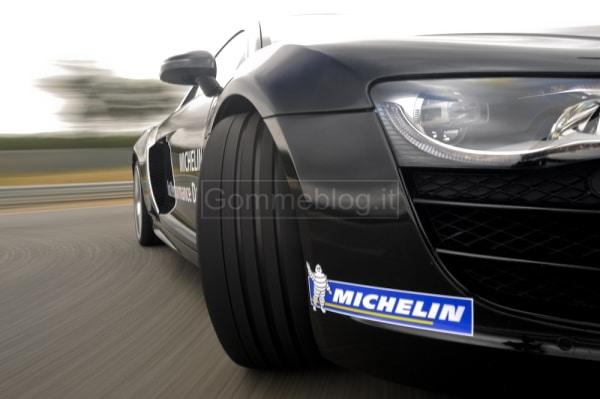 Variare le performance di una vettura con pneumatici maggiorati: in pista su Audi R8 MTM 3