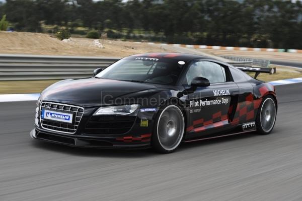 Variare le performance di una vettura con pneumatici maggiorati: in pista su Audi R8 MTM 2