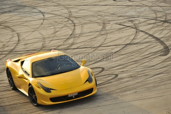 Ferrari 458 Italia: prova e test sulla pista dell'Estoril