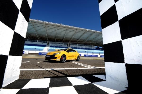 20.000 CV in pista all'Estoril: Michelin non vende pneumatici, bensì prestazioni 6