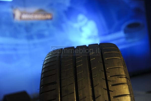 20.000 CV in pista all'Estoril: Michelin non vende pneumatici, bensì prestazioni 7