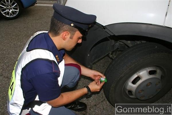 Pneumatici: Oltre il 15% delle auto fermate dalla Polizia non è in regola