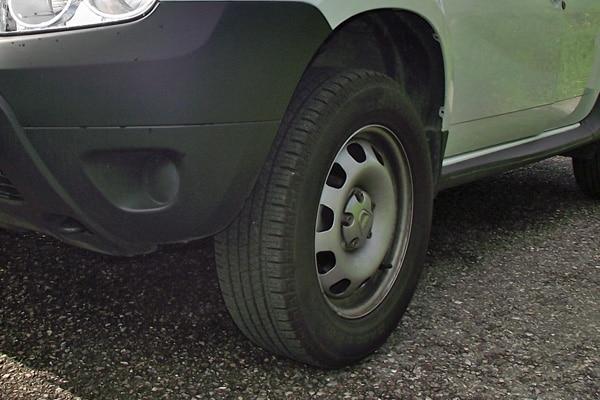 Allarme Bridgestone: 3 automobilisti su 4 viaggiano con gomme sgonfie