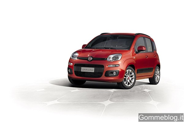 Fiat Panda 2012: Stile rinnovato all'insegna della funzionalità