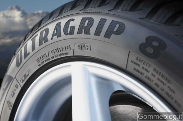Goodyear UltraGrip 8 beauty shot Pneumatici invernali Goodyear Ultragrip 8