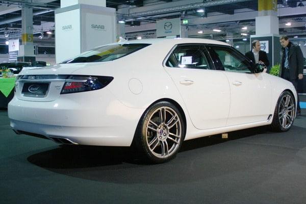 """Hirsch Performance Saab 9-5: con 330 CV e gomme Michelin da 20"""", sfida le tedesche"""