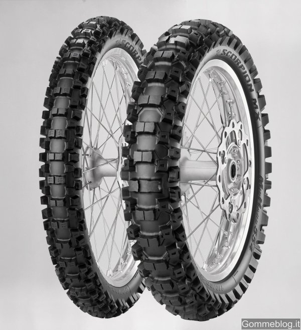 Pirelli Scorpion MX Mid Hard 554: nuovi pneumatici moto off-road