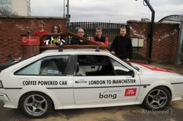 Un'auto a caffè batte il record di velocità su terra per carburanti speciali