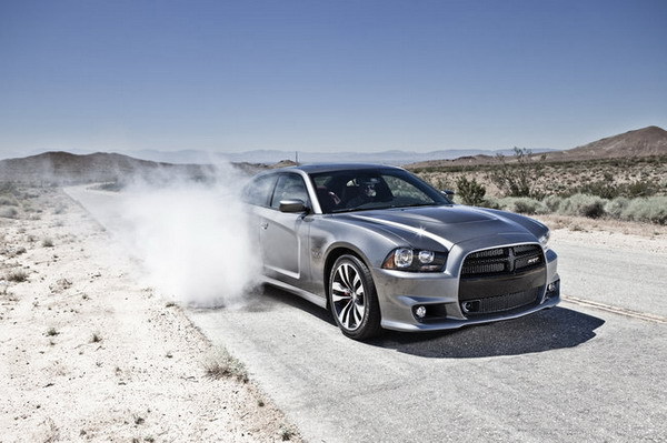 Dodge Charger SRT8 2012: 470 CV in puro stile USA
