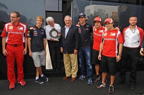 Brembo consegna a Bernie Ecclestone il premio Freno Tricolore
