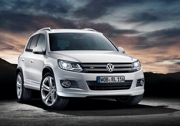 Volkswagen Tiguan R Line: cerchi in lega da 19 e look Sport