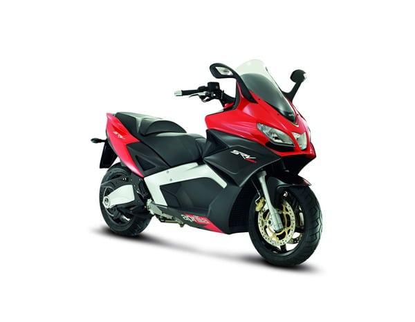 Piaggio all'EICMA 2011: due grandi novità in campo scooter potenti