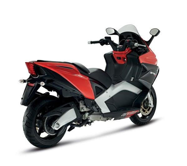 Piaggio all'EICMA 2011: due grandi novità in campo scooter potenti 5