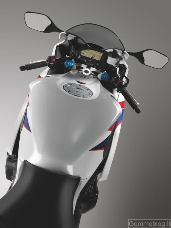 Honda CBR1000RR Fireblade MY 2012: espressione di velocità e dinamismo 4