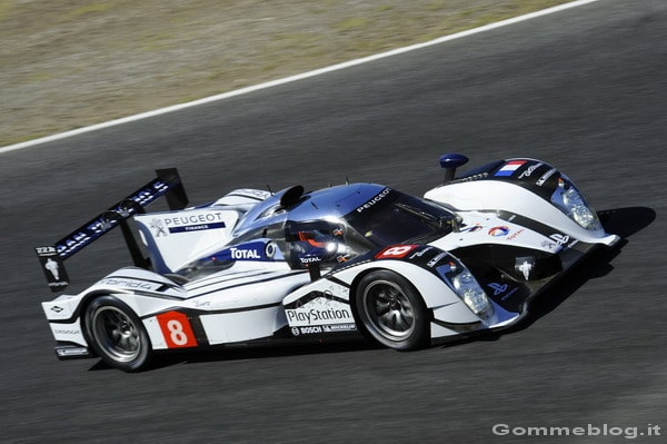 La Peugeot 908 HYbrid4 in prova all'Estoril