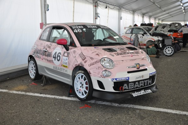 Abarth Make it your race 2012: aperte le iscrizioni al Talent Show per aspiranti piloti firmato Abarth