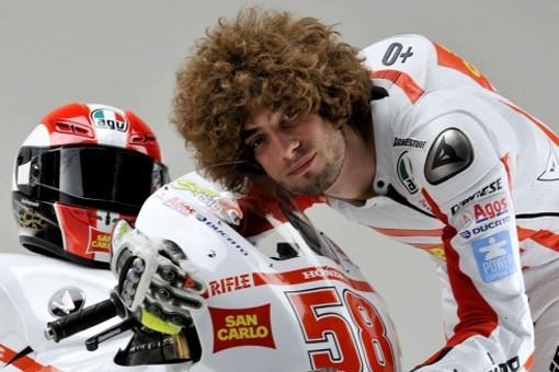 Muore Marco Simoncelli: Tragedia al MotoGp della Malesia