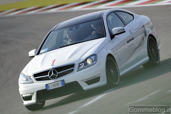 Mercedes C63 AMG Coupé: report completo su tecnica e performance 3