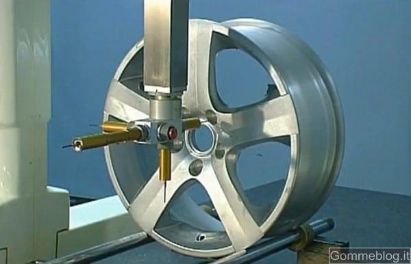 Dall'alluminio alla ruota finita. Un video su come nascono i cerchi in lega