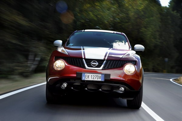 Nissan Juke 190 Hp Limited Edition: cerchi neri su vestito rosso