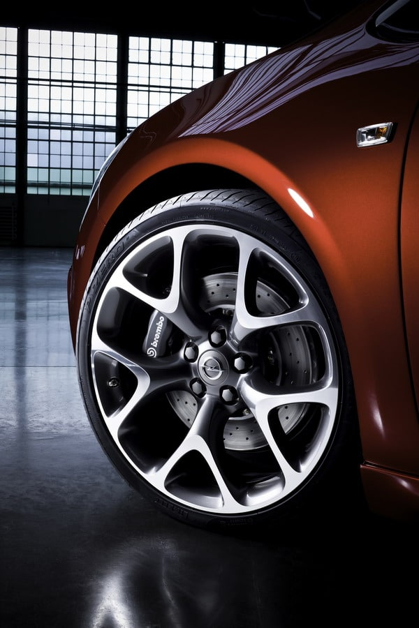 Nuova Opel Astra OPC: con 280 CV la più potente di tutti i tempi 2
