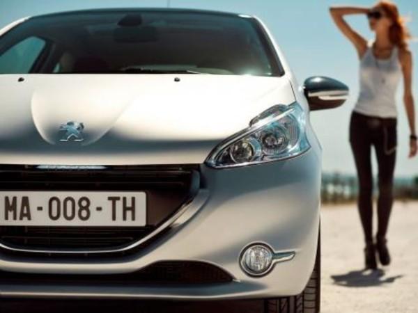 Peugeot 208: le prime immagini in anteprima